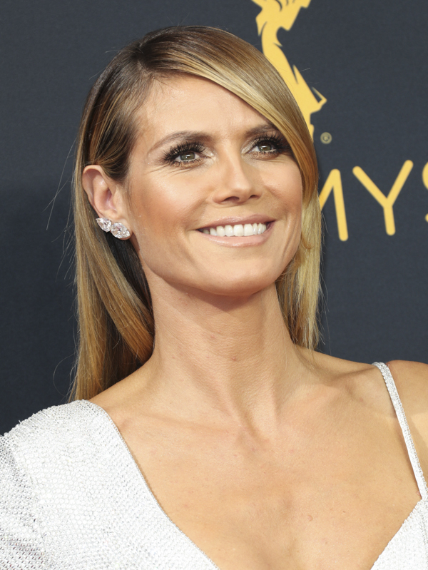 heidi-klum-emmys-hair-makeup-2016-emmy-awards-photos