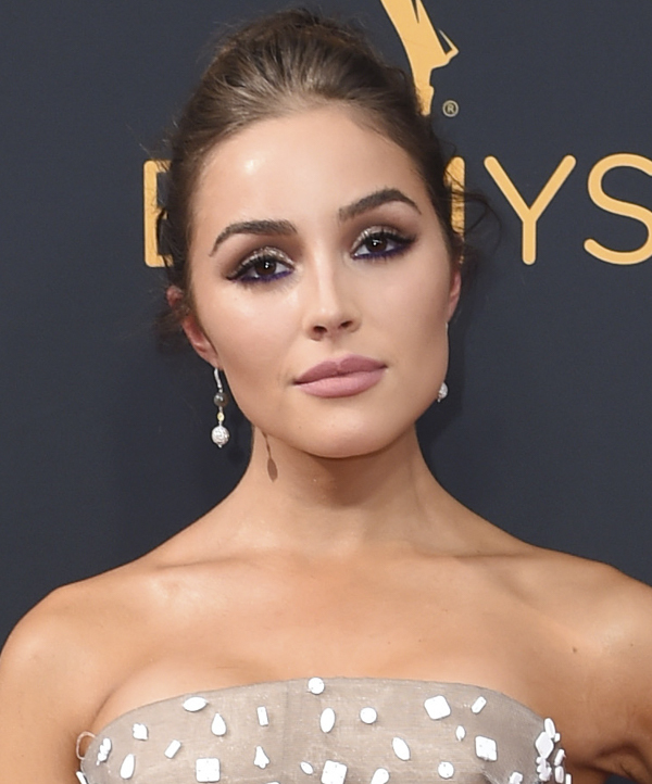 olivia-culpo-emmys-hair-makeup-2016-emmy-awards-photos