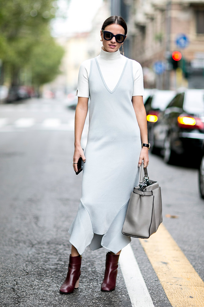 13-long-dress-short-sleeve-turtleneck-street-style