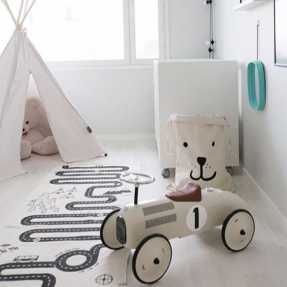 Nursery decor baby boy style it up for Camerette bambini design nordico